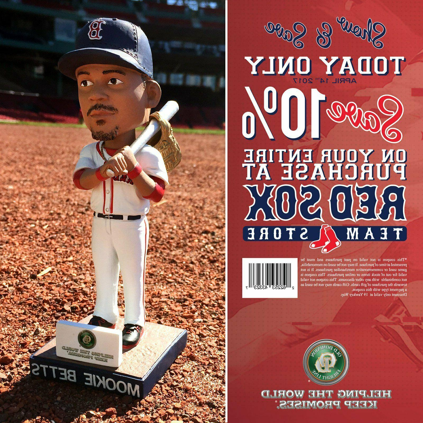 mookie betts boston red sox gold glove